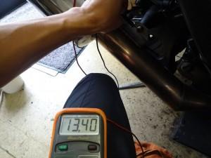 レギュレター直下での充電電圧