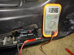 バッテリー部での充電電圧確認
