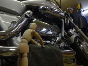 バイクを磨いてもらう