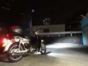 LEDヘッドライトに換装したリトルカブ