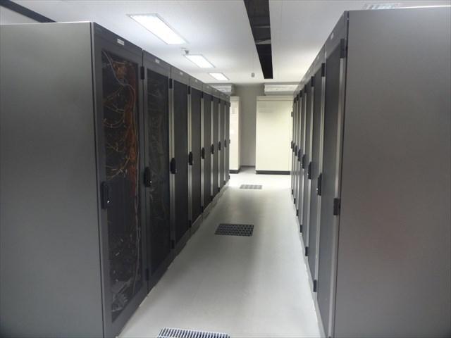 データセンターのサーバー群