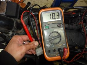 交流電圧を計測する
