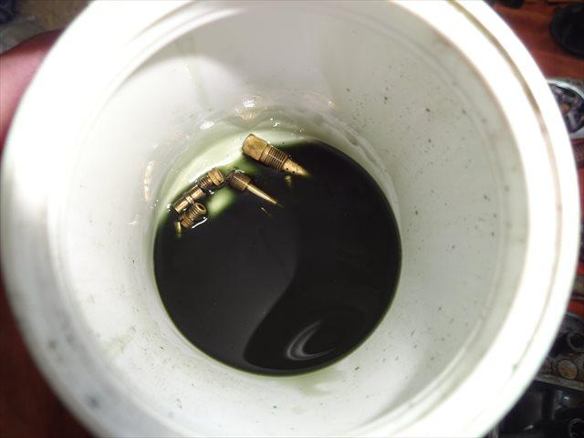 ジェット類は別容器で浸け込む