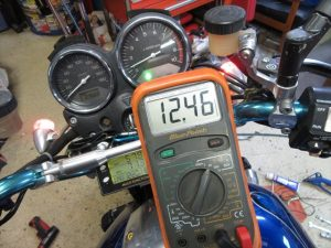 標準H4バルブでの充電電圧:アイドリング時