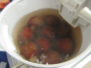 煮汁が茶色い