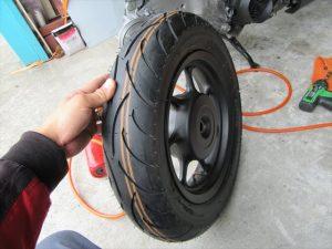 タイヤの交換作業完了
