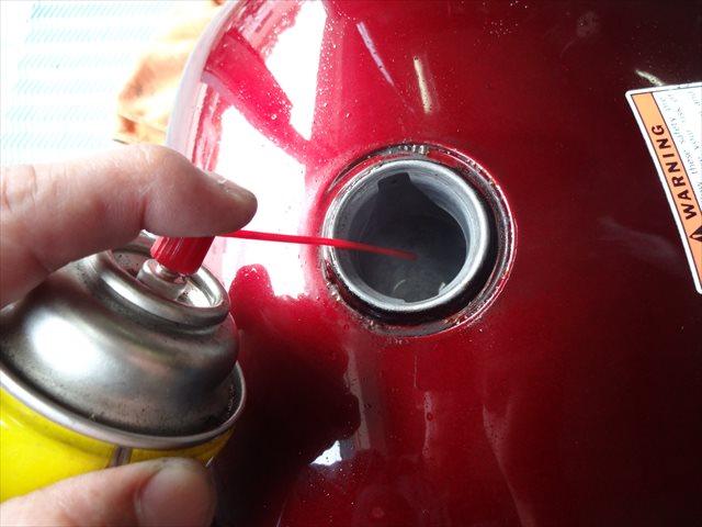 潤滑油を入れる