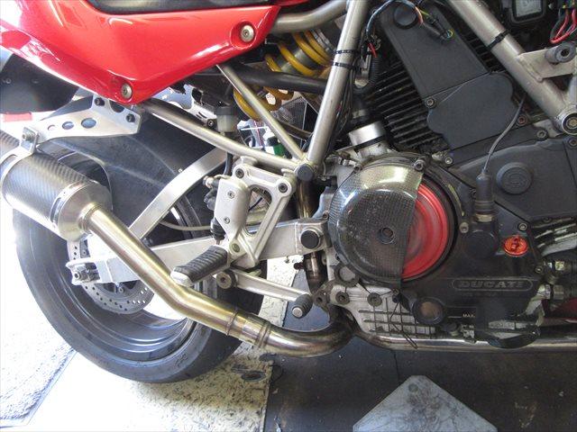エンジンを始動して排気漏れチェック