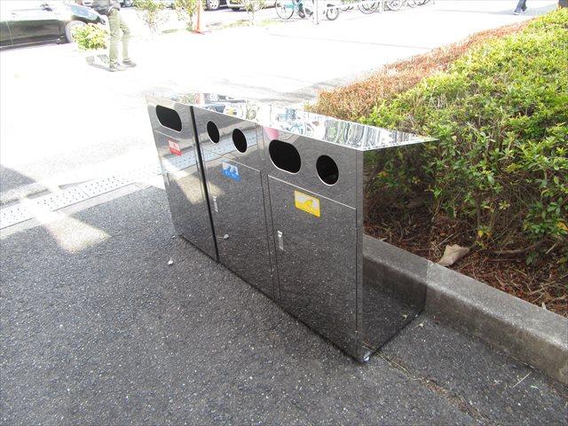 新しく設置されたゴミ箱