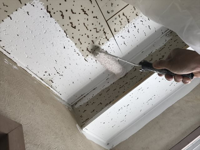 天井の塗装